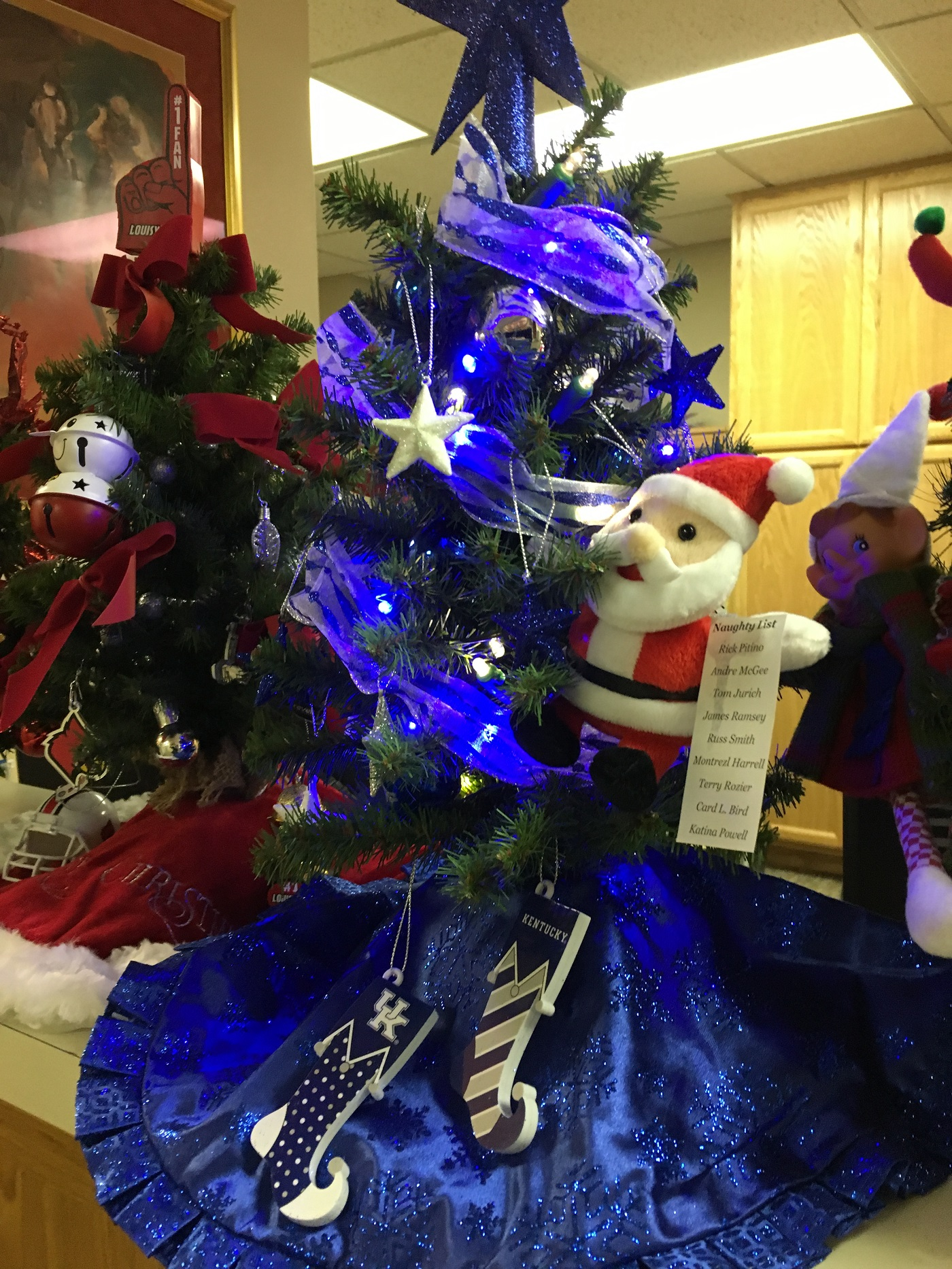 Uk Inspired Christmas Tree At Orthopaedic Specialists Louisville Ky